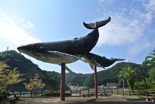 クジラのモニュメント