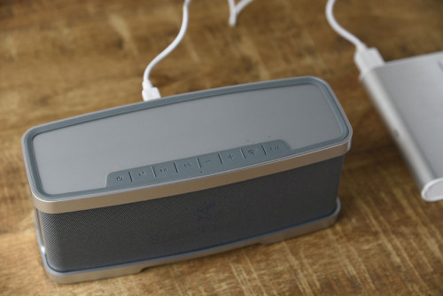モバイルバッテリーから給電できるのも便利なところ