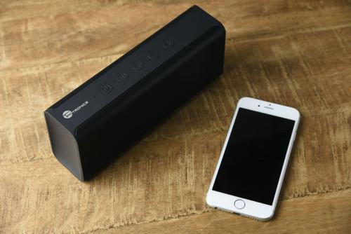 iPhone 6 とPULSE X とのサイズ比較