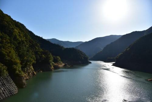長島ダムのダム湖