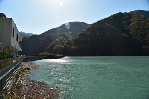 畑薙第一ダムのダム湖